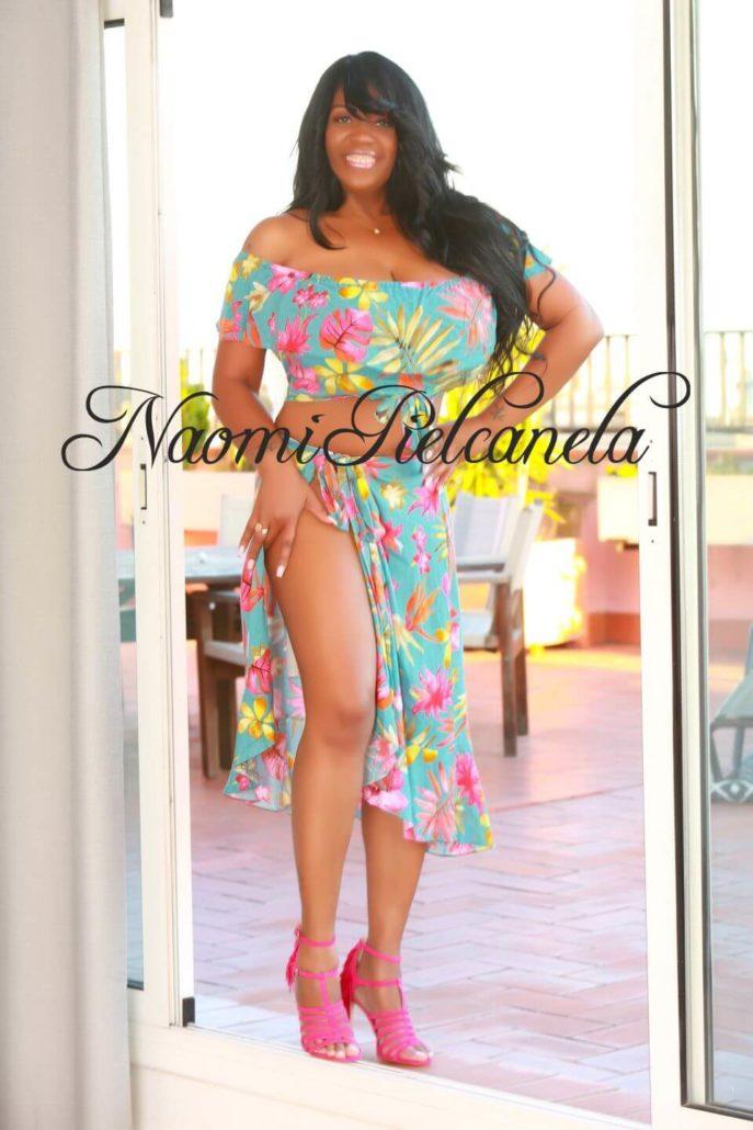 Naomi Piel Canela - Book14 - 02